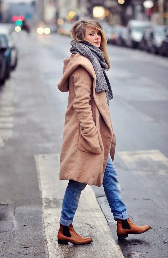Шарф к пальто с капюшоном
