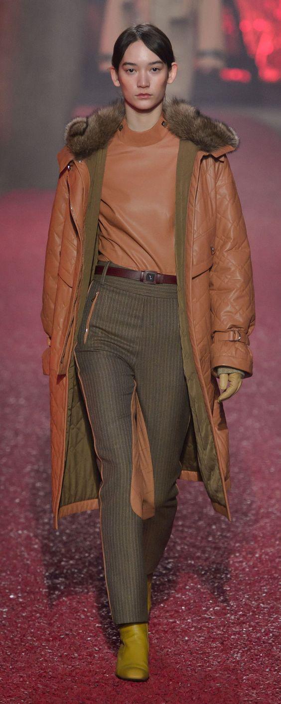 Кожаное женское пальто на синтепоне
