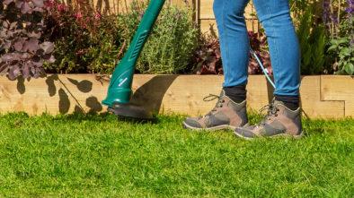 Как отстирать пятно от травы с джинсов